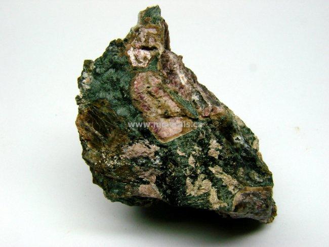Minerál LOVOZERIT