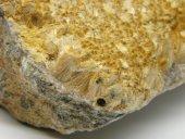 Minerál KARFOLIT
