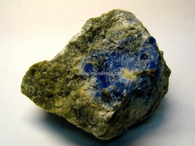 Minerál CARLETONIT