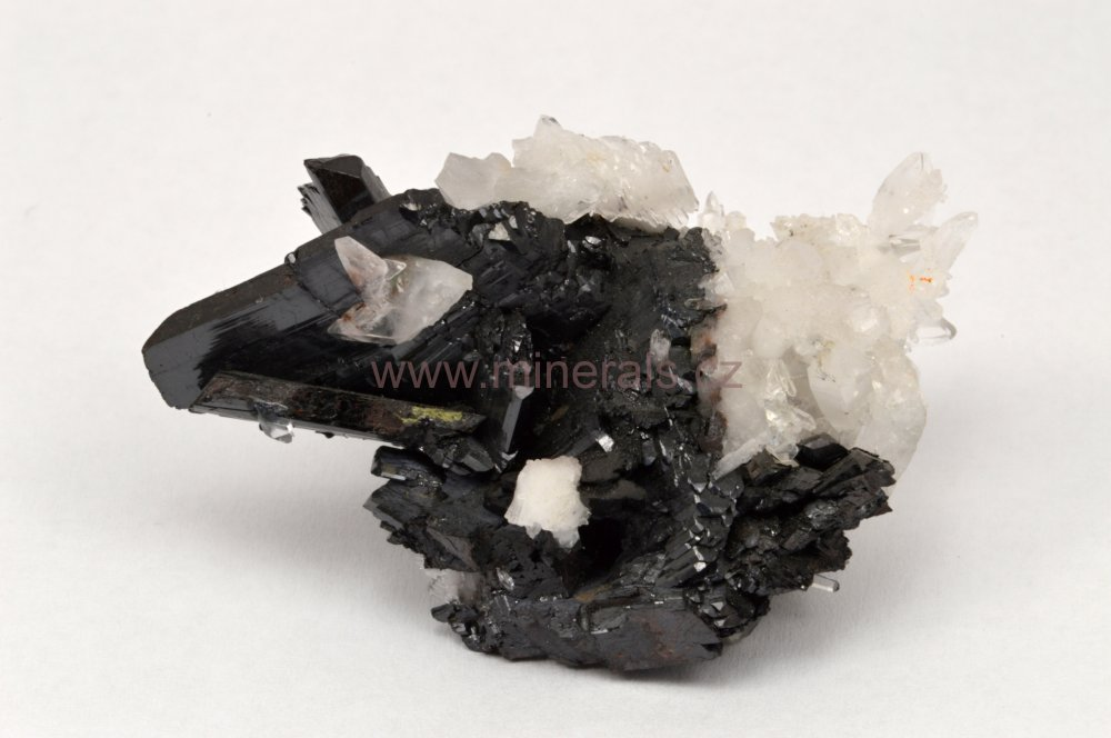Minerál HÜBNERIT