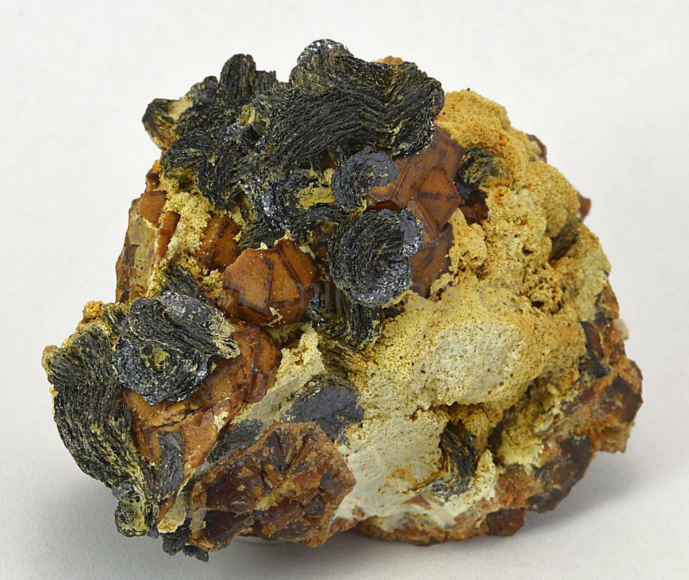 Minerál ANDRADIT, HEMATIT