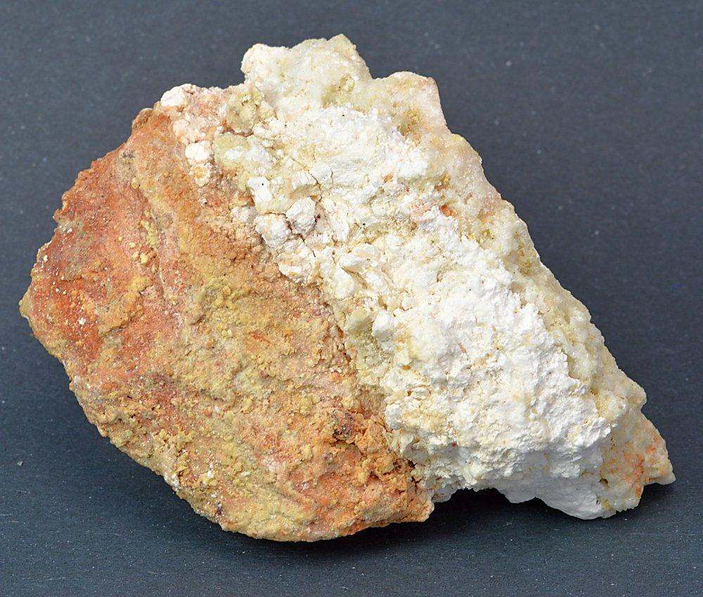 Minerál ROSTIT