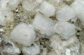 Minerál HARMOTOM