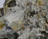 Minerál LÖLLINGIT, SCHEELIT