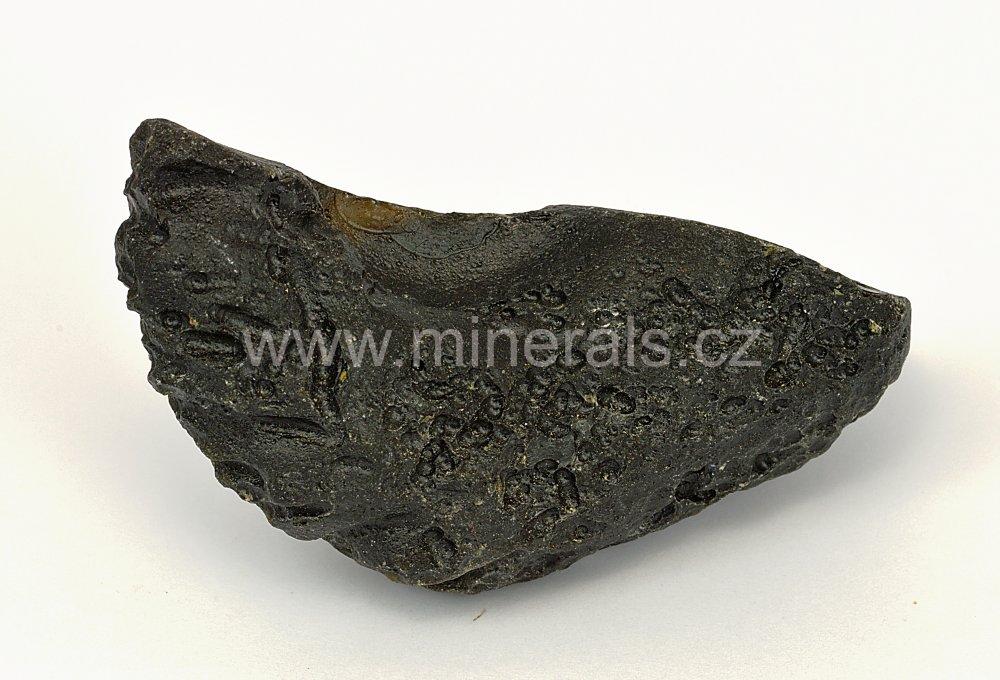 Minerál INDOČÍNIT
