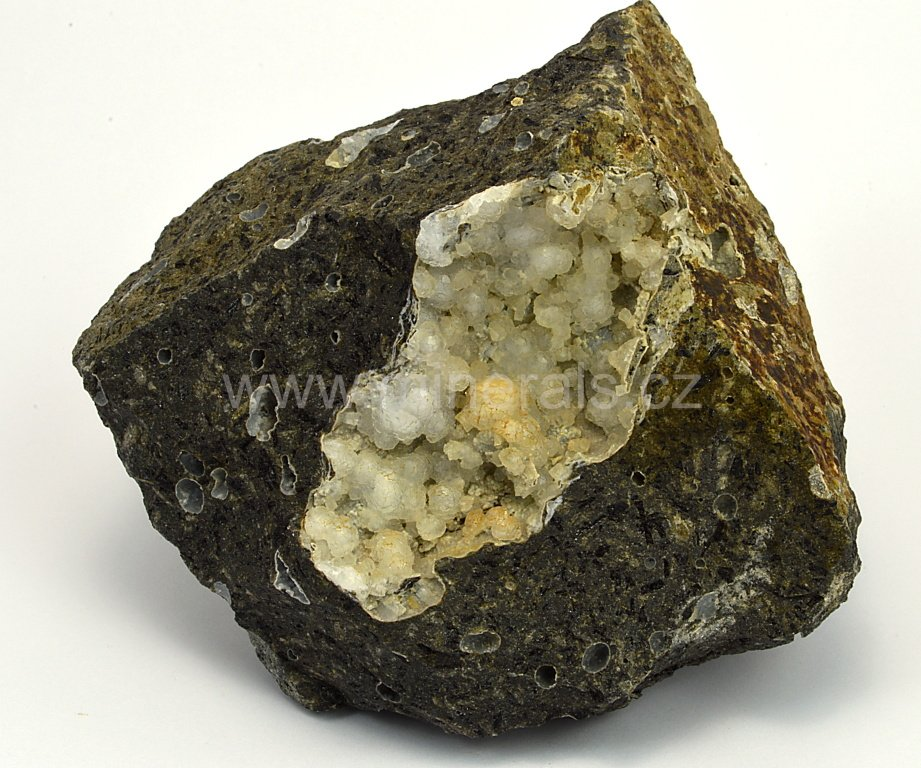 Minerál THOMSONIT