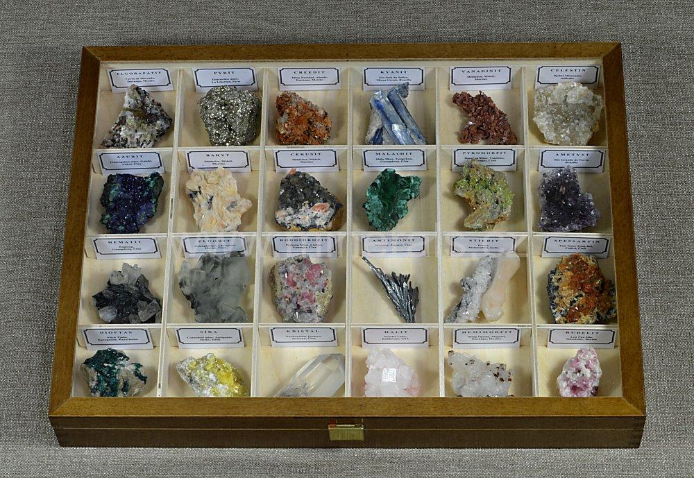 Minerál SADA ESTETICKÝCH MINERÁLŮ V DŘEVĚNÉ KAZETĚ 24 ks