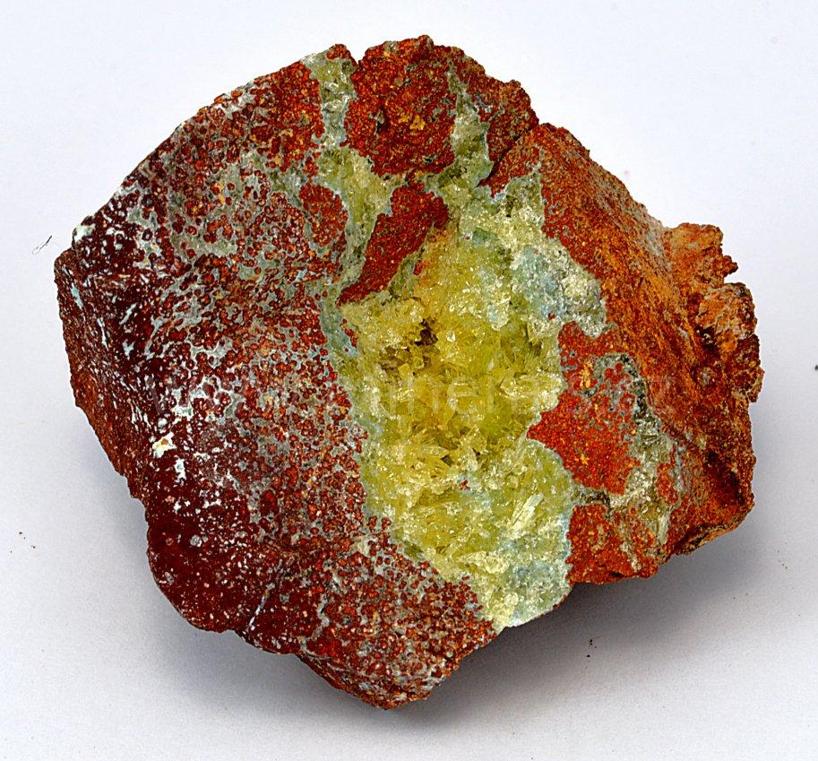 Minerál SENEGALIT