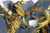 Minerál RUTIL, HEMATIT