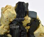 Minerál ARFVEDSONIT