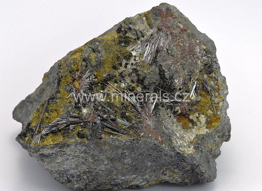 Minerál KERMEZIT