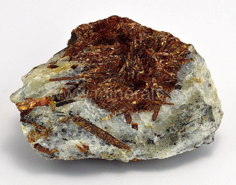 Minerál ASTROFYLIT