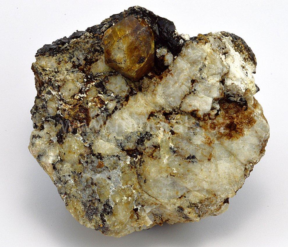 Minerál ZIRKON