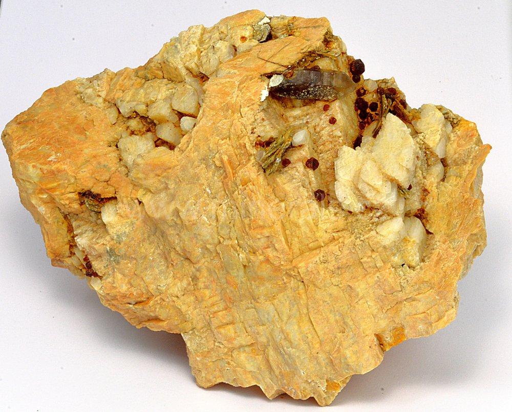 Minerál ALBIT, SPESSARTIN