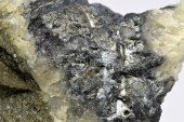 Minerál ANTIMONIT
