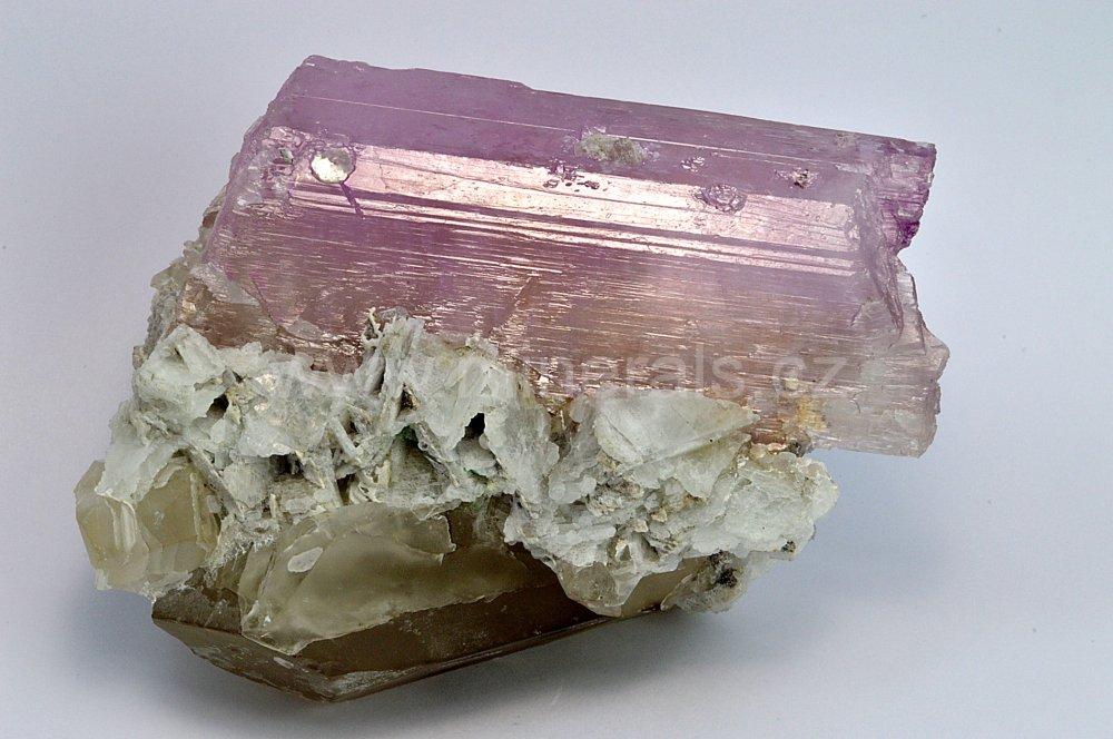 Minerál KUNZIT