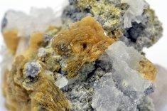 Minerál ROWEIT, OLŠANSKYIT